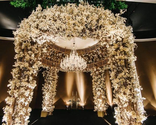 Gazebo Dourado com Flores – Copacabana Palace