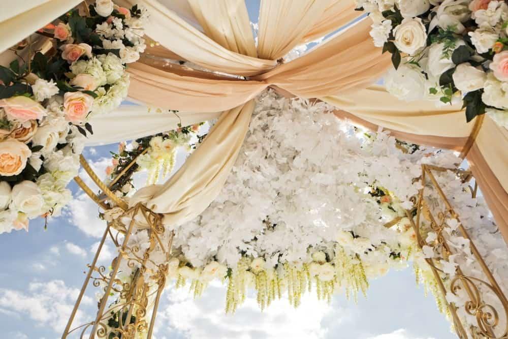 Tipo de altares para cerimônia de casamento