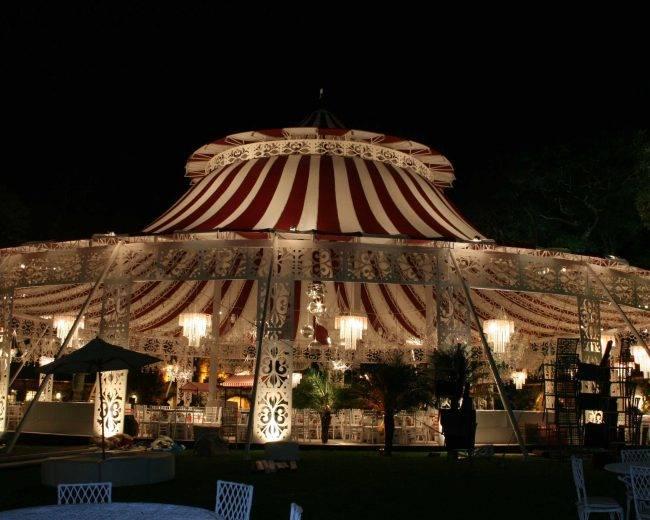 Toldo tipo tenda de circo